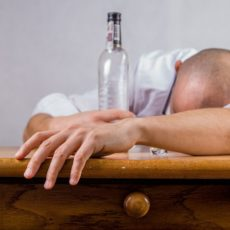 Jak odtruć organizm po ciągu alkoholowym?