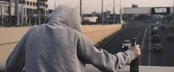 Halucynoza alkoholowa – co to jest i jak ją leczyć?